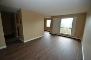Reno Large 3-bed with balcony Avail Now Apr May 92nd st