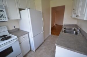 STUDENT - 3 room townhouse - Avail May 1 - 366 Glenridge