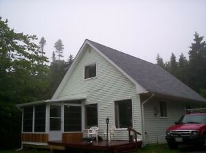07-005 FURNISHED Cozy Lakefront home, all utilities included.