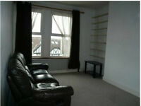 BALHAM- CHARMING SELF CONTAINED DOUBLE STUDIO
