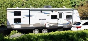 2014 Springdale Travel Trailer Excellent Condition