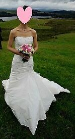 Benjamin Roberts 930 wedding dress