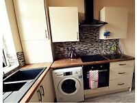 **ATTENTION MATURE STUDENTS & PROFESSIONALS** SPACIOUS FURNISHED DOUBLE ROOM FOR RENT - NEAR TOWN