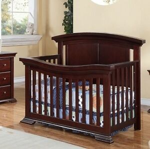 Caramia Carrera 3in1 Convertible Crib Espresso
