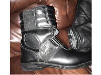 Tuzo bike boots