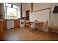 STUDENTS 17/18: Fantastic 3 bed HMO flat with WiFi in desirable City centre area available Sept 17!
