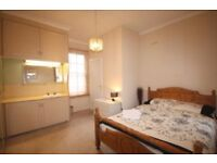 Beautiful Double Room in Large Victorian Property