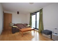 Modern 1 bed flat in Granton with fantastic views heating included available September - NO FEES!