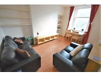 Bright and contemporary 4th floor 2 bedroom property available January – NO FEES