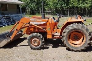 1991 Kubota  Tractor with loader 4x4 30 HP