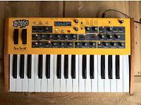 Dave Smith DSI Mopho Keyboard