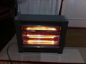Altise electric 3 burner heater Miller Liverpool Area Preview