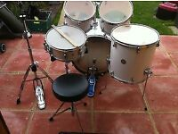 Mapex Horizon Drum kit Great Condition W Cymbals and drum stool