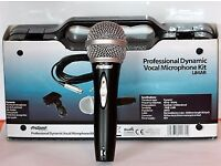 PROFESSIONAL DYNAMIC VOCAL MICROPHONE KIT