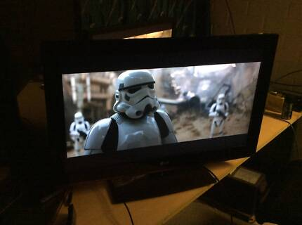 """LG 32"""" H.D LCD HDTV with 2 x HDMI ports"""