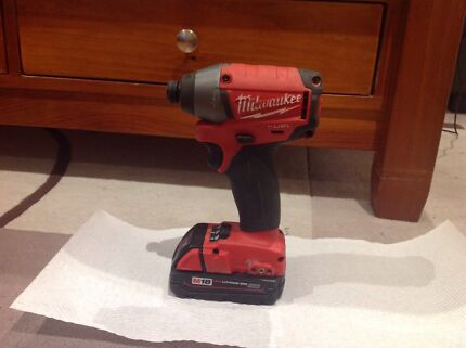 Milwaukee 18V Cordless Fuel 1/4 Hex Impact driver