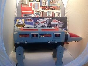 VINTAGE 1984 TONKA GOBOTS COMMAND CENTER MOBILE FORTRESS GO BOTS