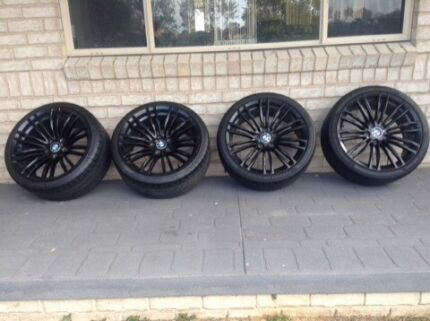 "19"" Black rims with tyres (4)"