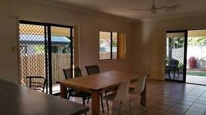 Ensuite bedroom 10mins walk to JCU/hospital Great neighbourhood Castle Hill Townsville City Preview