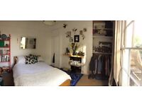 Bright double bedroom with private roof terrace in De Beauvoir/Dalston £800 per month