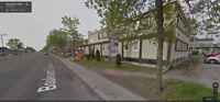 Local / Bureau de 1000 Pi2 avec salle de bain privé