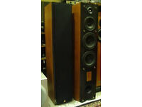 Triangle Antal 202 pair of speakers