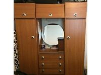 6ft tall elegant and stylish wardrobe for sale