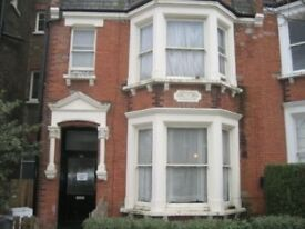 Studio flat in Dyne Road, Kilburn