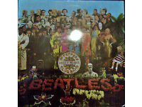 sgt pepper lonley hearts clubband - sleeve and viynl in very very good condition