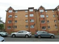 Modern 2 bedroon ground floor furnished optional flat on Golfhill Drive Dennistoun Eastend