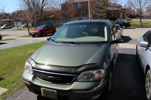 2002 FORD LIMITED WINDSTAR W/ TV & VCR- LOW KM!!! CHEAP!!!