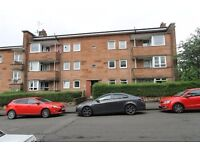 3 bedroom top floor un furnished flat on Sannox Gardens Dennistoun Eastend
