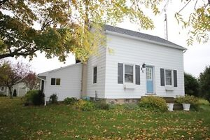 Goderich # 8 Port Albert 12.4 acres- country charm!