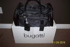 BUGATTI TRAVEL/DUFFEL  BAG......BRAND NEW