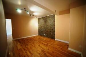 Very large 5 1/2 steps from metro, Atw Mrkt and canal