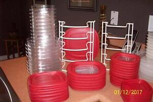 30 NEW RUBBERMAID CONTAINERS PLUS 2 LID STANDS...AWESOME BUY