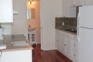 Exceptional 2 bedroom  Townhouse – May 1st