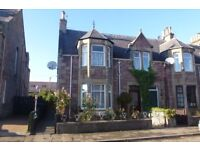 2/3 bed 1st floor flat located over 2 floors, available for immediate entry. West side of R. Ness.