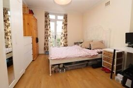 Modern one double bedroom flat with a terrace only moments away from Finsbury Park underground, N4