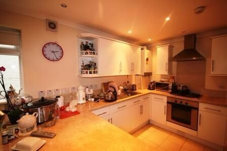 Stunning 5 bed House in very sought after area of Streatham Hill. First to see will take!