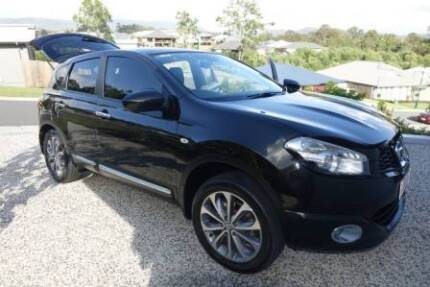 Immaculate Pearl Black Automatic Nissan Dualis
