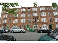 Traditional 1 bedroom furnished top floor flat on Cramond Terrace Budhill, Eastend