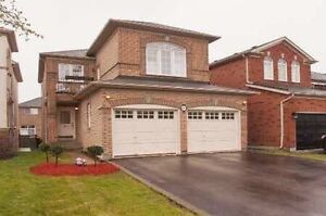 Delightful Detached Home with finished basement in Maple