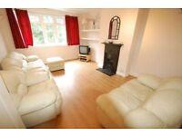 3 bedroom flat in Buckingham Court, Watford Way, Hendon, NW4