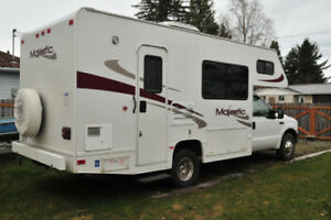 2003  Four winds Majestic Motor home
