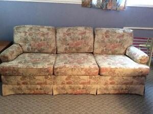 Couch - excellent condition