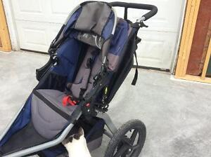 BOB Revolution SE running stroller Kingston Kingston Area image 3