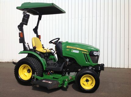 John Deere 2025R Tractor with mid mounted mower