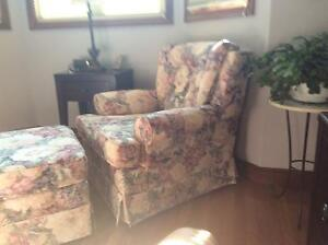 Chair and ottoman Windsor Region Ontario image 5
