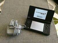 Nintendo DSI console with 5 games and charger /1 of the game is pokermon/ cash or swaps